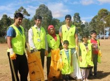 On Sunday 6 March 2016 CLEAN UP AUSTRALIA DAY villa Vista Park Minto